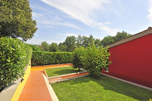 v_-_terrazze_giardinoCBC6263B-37DA-5877-8D8F-B17A87589BF7.jpg